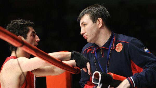Эдуард Кравцов (справа). Архив