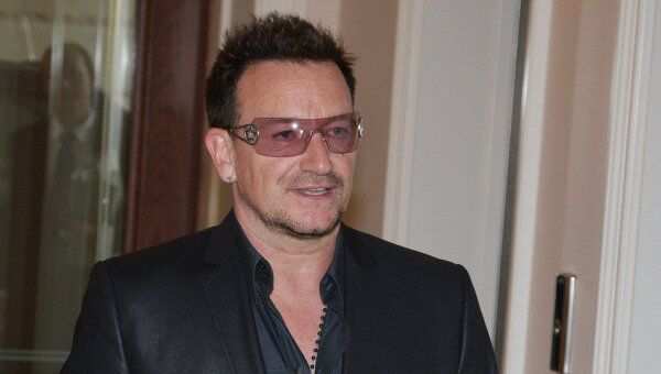 Солист группы U2 Боно. Архив