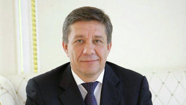 Поповкин ушел из Минобороны, чтобы возглавить Федеральное космическое агентство вместо Перминова.