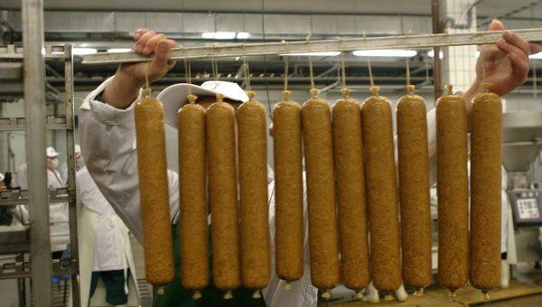 Изготовление колбасы. Архив
