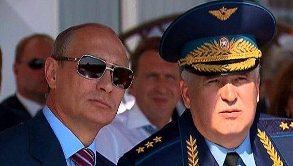 Путину на МАКС-2011 показали высший пилотаж  и истребитель Т-50