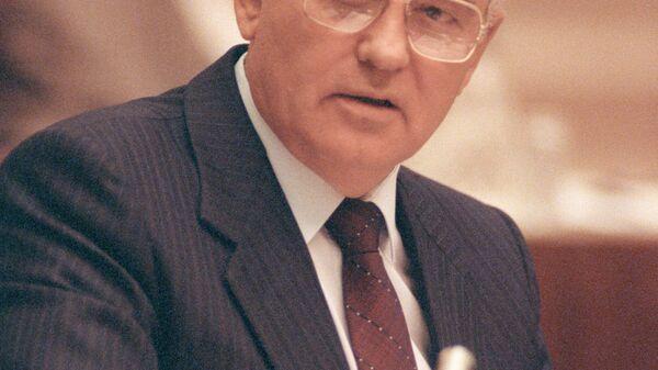 Выступление Михаила Горбачева на сессии ВС СССР. Москва, 26 августа 1991 года. Архивное фото