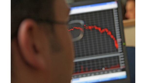Индекс РТС на открытии упал на 0,42%, ММВБ - на 0,66%