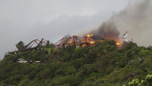 Пожар в особняке на Виргинских островах, принадлежавший редпринимателю Ричарду Брэнсону