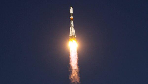 Запуск РН Союз-У с грузовым кораблем Прогресс М-12М. Архив