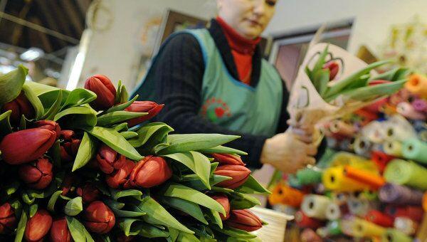 Продажа цветов в канун Международного женского дня