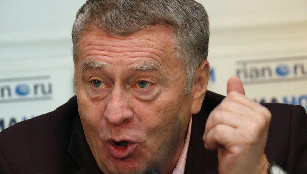 Ющенко пытается заработать очки на высылке Черномырдина - Жириновский