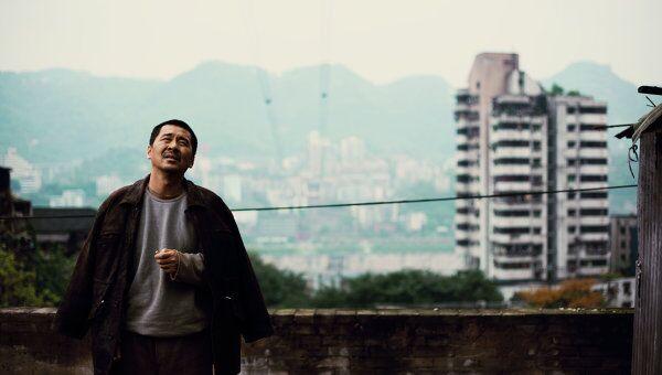 Кадр из фильма Море людей режиссера Цая Шанцзюня