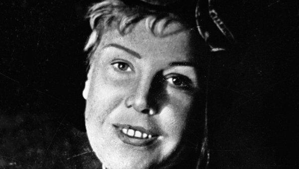 Летчица Ольга Лисикова. Архив
