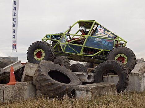 Машины класса прототип, с паучьей грацией, взбирались на дву