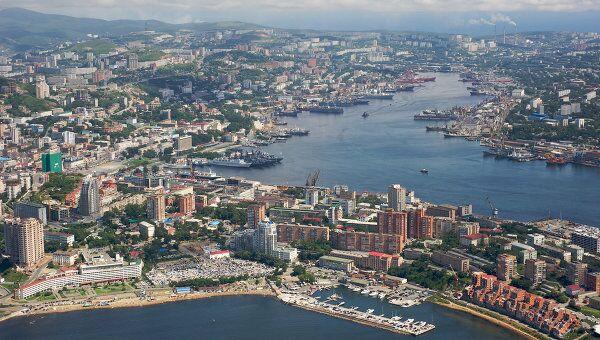 Вид на бухту Золотой Рог, Владивосток. Архив