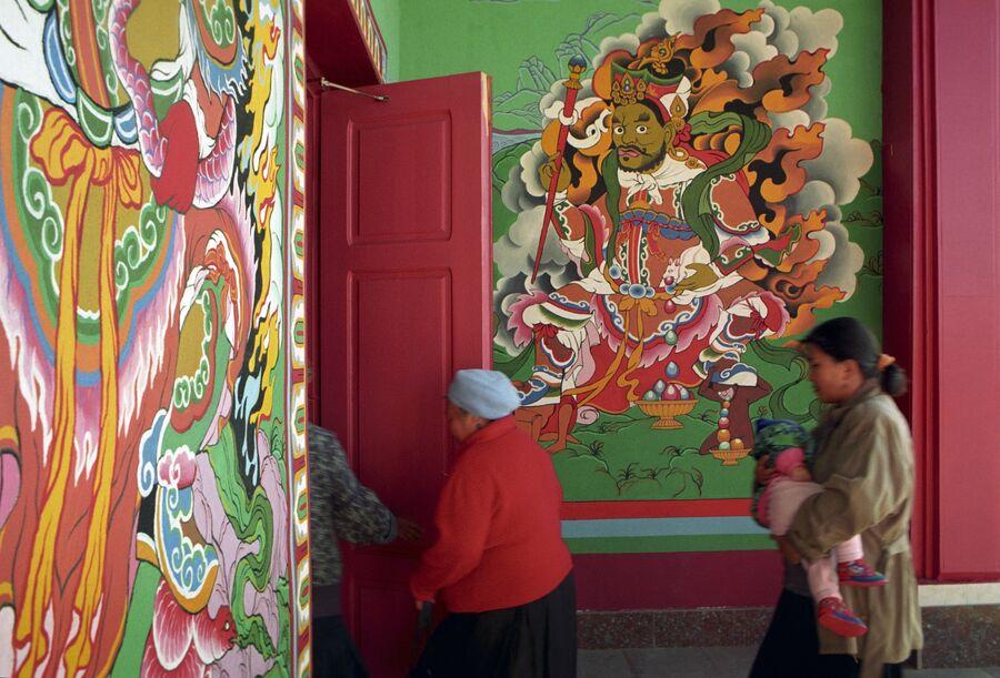 Буддийский храм. Архив