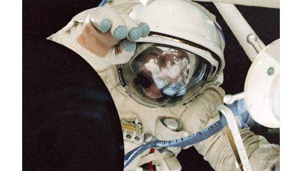 Астронавты НАСА завершили третий, заключительный, выход в космос