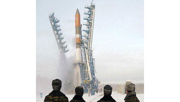 В. Путин на космодроме Плесецк во время запуска ракеты-носителя со спутником связи