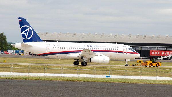 Среднемагистральный пассажирский лайнер Sukhoi Superjet 100. Архив