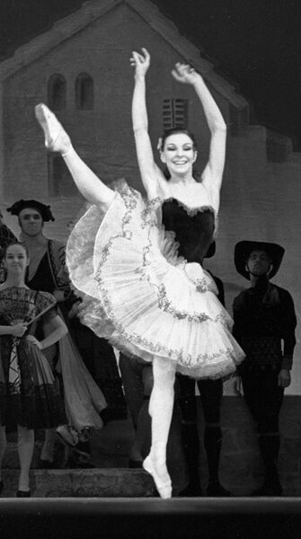 Сорокина танцует партию Китри  в балете Дон Кихот