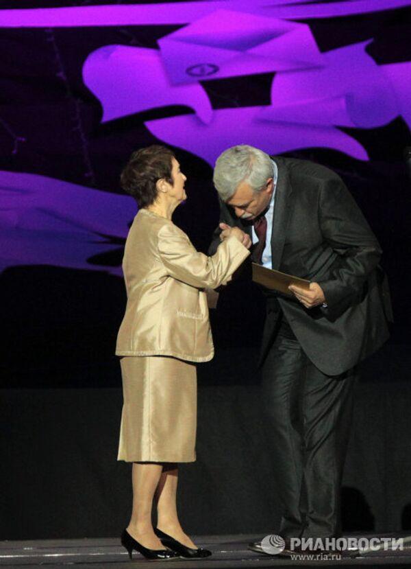 Тамара Москвина и Георгий Полтавченко (слева направо)