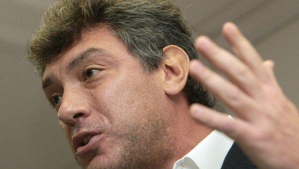Борис Немцов на конференции демократических сил