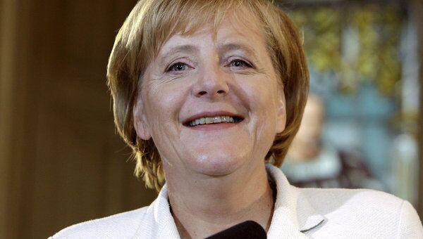 Меркель довольна итогами первого дня работы саммита ЕС в Брюсселе