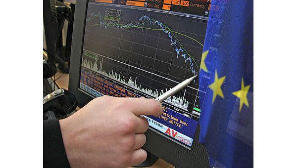 Биржи Европы открылись в минусе после решения S&P по банкам