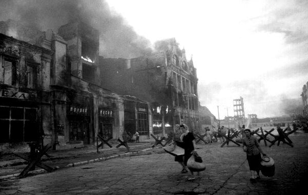 Сталинград. Бомбежка. Август 1942 год