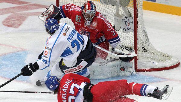 Игровой момент матча Финляндия – Чехия