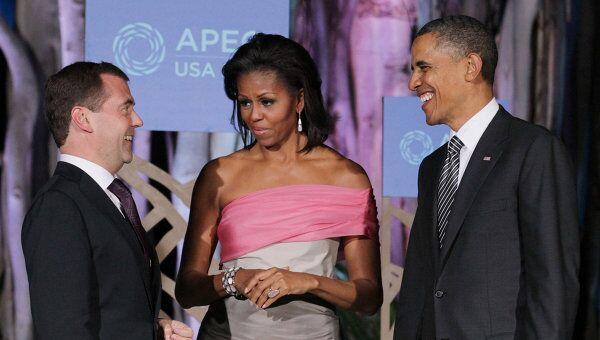 Фотографирование Д. Медведева с б. Обамой и М.Обамой