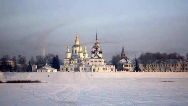 Усадьба Деда Мороза расположилась в лесу недалеко от Великого Устюга
