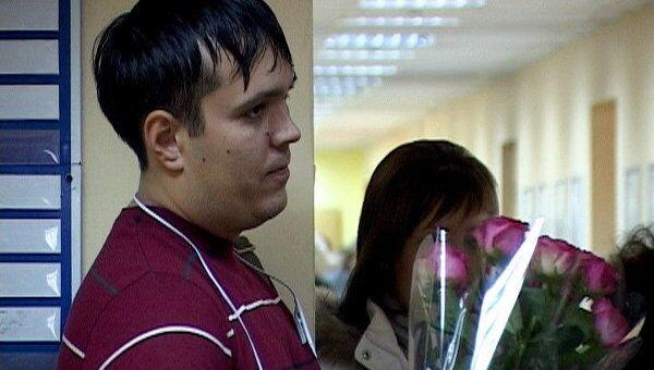 К кабинету Ахтаханова в СГА преподаватели и студенты несут цветы