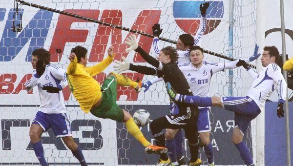 Игровой момент матча Динамо - Кубань
