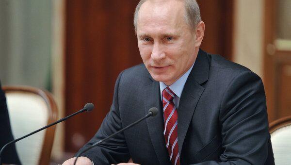 Премьер-министр РФ В.Путин проводит заседание Правительственного совета по развитию отечественной кинематографии