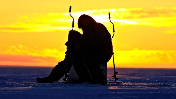 Рыбалка в акватории Финского залива. Архив