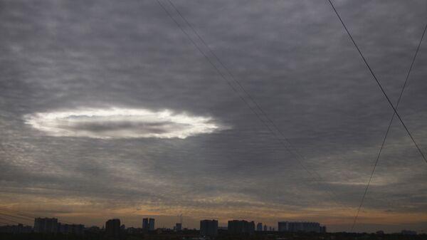 Светящаяся воронка над Москвой
