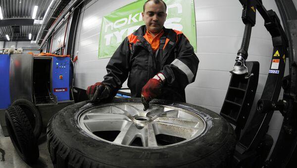Работа мастерской завода Nokian Tyres. Архивное фото