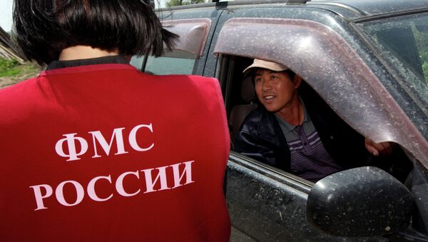 Рейд инспекторов УФМС России по выявлению нелегальных мигрантов. Архивное фото