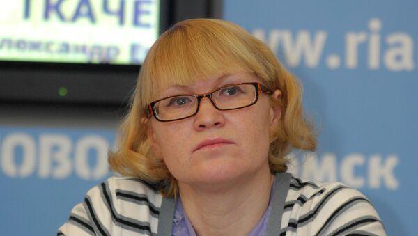 Руководитель Фонда имени Алены Петровой Елена Петрова