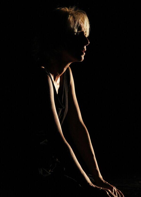 Юлия Рутберг (Медея) в сцене из спектакля по пьесе Жана Ануя Медея
