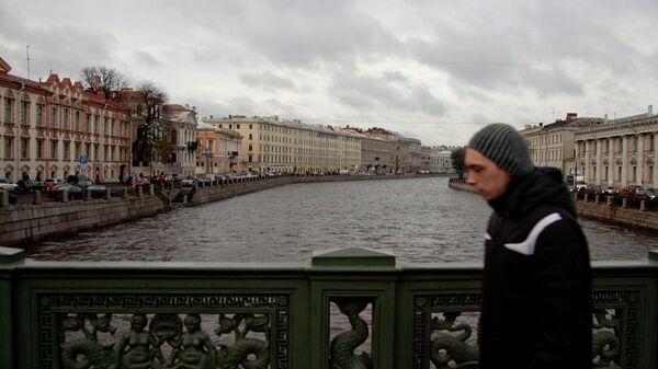 Аничков мост через реку Фонтанку в Петербурге