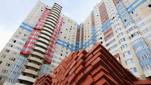 Строительство панельных домов в Москве. Архивное фото