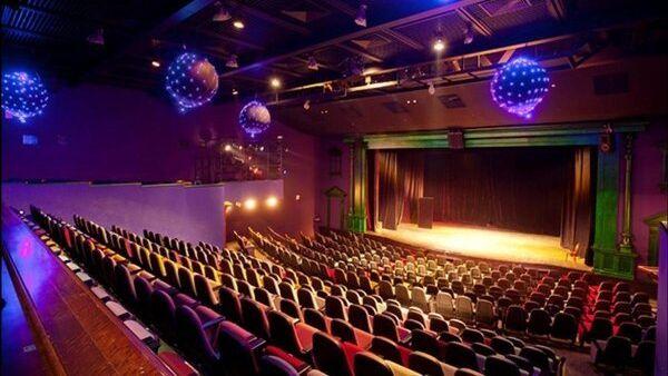 Зрительный зал театра Лицедеи в Петербурге