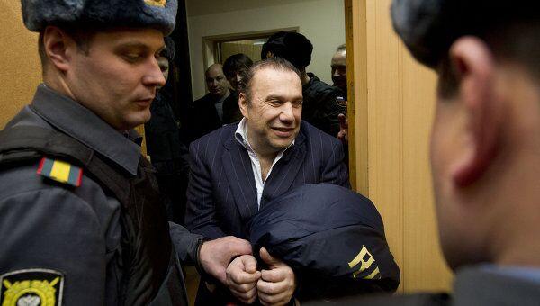 Рассмотрение ходатайства об аресте В.Батурина в Тверском суде