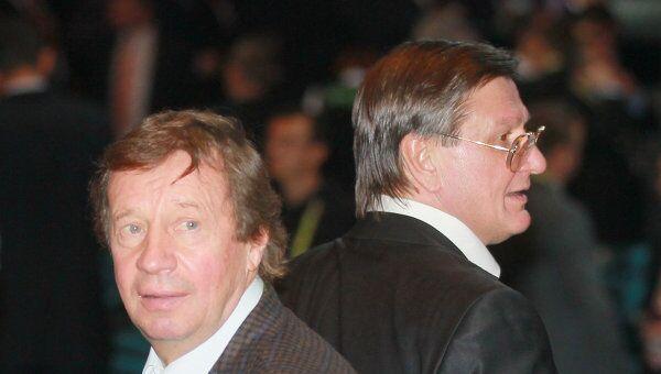 Юрий Семин (слева)