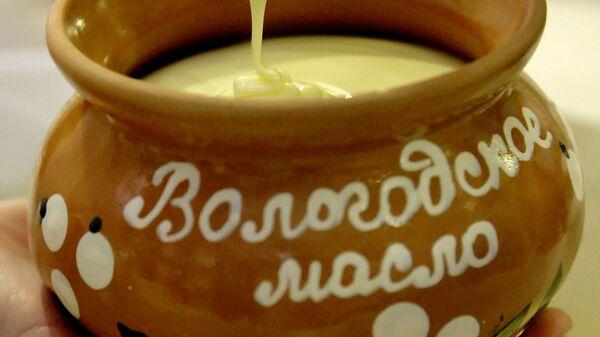 Производство сливочного масла. Архивное фото