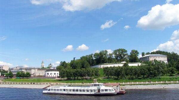 Вид на Кострому с Волги