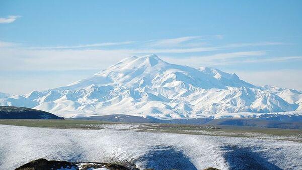 Гора Эльбрус. Архивное фото