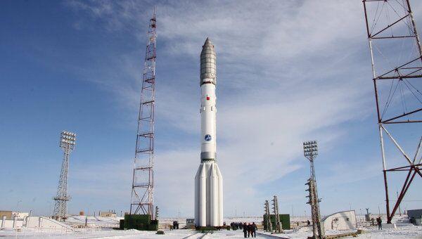 Вывоз ракеты Протон-М на стартовый комплекс Байконура