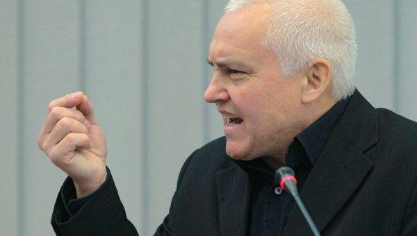 Публицист Борис Миронов, архивное фото