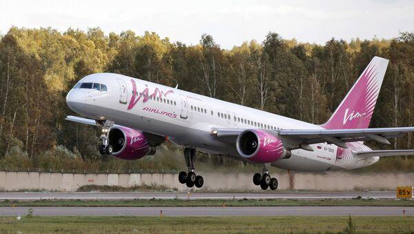 Боинг-757 авиакомпании ВИМ-авиа на взлете в аэропорту Домодедово