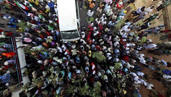 Протесты в Нигерии против повышения цен на бензин