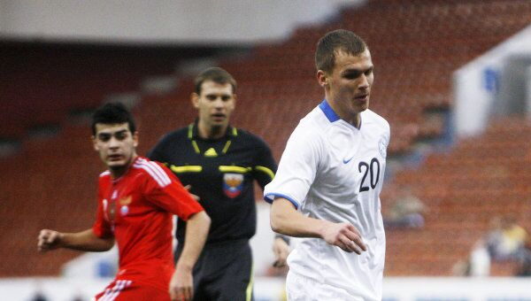 Игровой момент матча Россия - Эстония